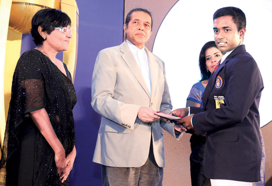 Most popular Schoolboy Cricketer platinum runner-up Charith Asalanka (Richmond)