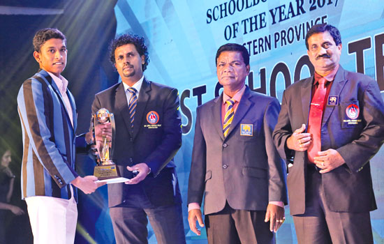 The captain of S.Thomas' College, Mount Lavinia receives the runner-up award for the Best team Western Province