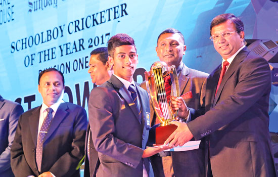 Best Bowler Division 1 Hareen Buddika Weerasinghe of St. Aloysius College, Galle