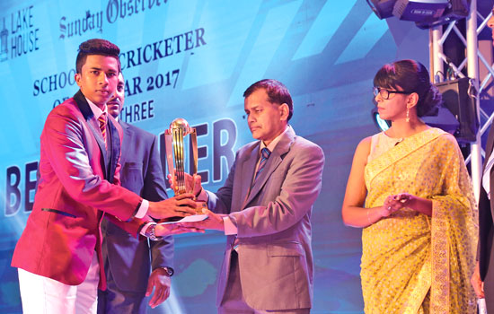 Best Fielder Division 3 Dhananjaya Fernando of Christ the King College, Tudella