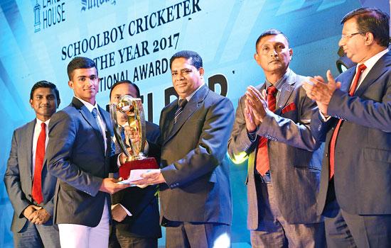 National Award Best Fielder Ashen Bandara of St.Aloysius College, Galle