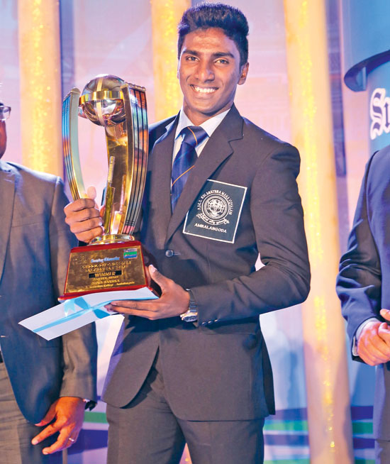 Nipun Ransika of P. de S. Kularatne College, Ambalangoda wons Observer - Mobitel Schoolboy Cricketer of the Year