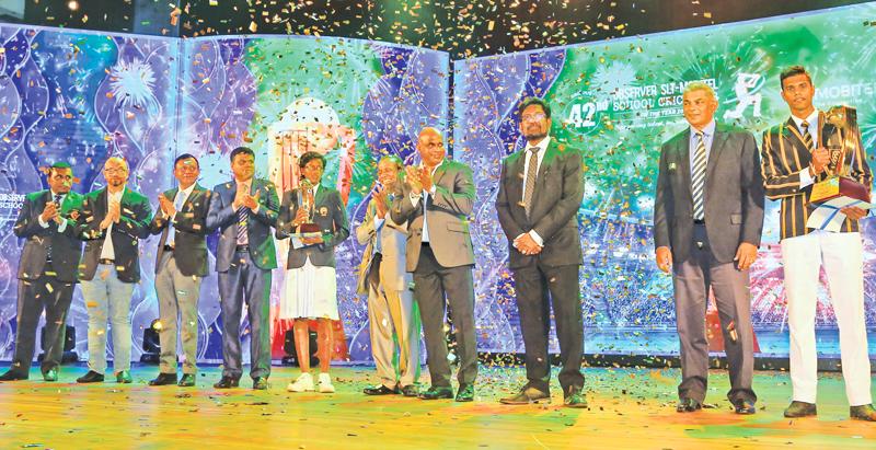 From left: Dinesh Weerawansa (Editor in Chief Sunday Observer), Shashika Senarath (CMO SLT-Mobitel), Lalith Seneviratne (GCEO SLT-Mobitel), Thilak Waththuhewa (President-Sri Lanka Schools Cricket Association), Kavesha Dilhari (Observer-SLT Mobitel Schoolgirl Cricketer of the Year), ANCL Chairman and President's Counsel W. Dayaratne, Chief Guest and former Sri Lanka captain Sanath Jayasuriya, Keheliya Rambukwella, Minister of Media and Information, Rohan Fernando, Group Chairman of SLT Mobitel and Schoolboy